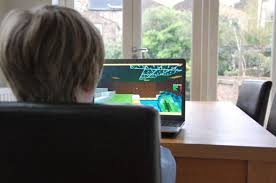 Videos Bbc Minecraft Why So Are They Addictive News FOSH4qx