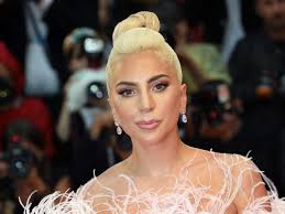 lady a s makeup artist sarah tanno on the singer s beauty evolution the oscars and a star is born