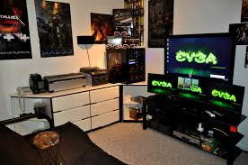Decorations  Coolest Gaming Computer Room Setups With Five Cool Gaming Room Designs