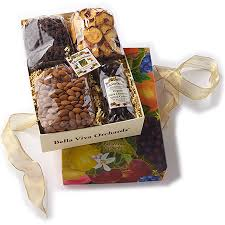 organic gift chocolates nuts gift basket png