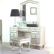 Vanities For Bedrooms With Lights Bedroom Vanity Set With Lights ...