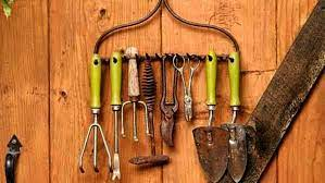 gardening tools list with pictures and