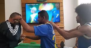 Cách anh chàng Brazil giúp người bạn vừa khiếm thính vừa khiếm ... - site:genk.vn Mini World,Cách anh chàng Brazil giúp người bạn vừa khiếm thính vừa khiếm ...,Cach-anh-chang-Brazil-giup-nguoi-ban-vua-khiem-thinh-vua-khiem-.