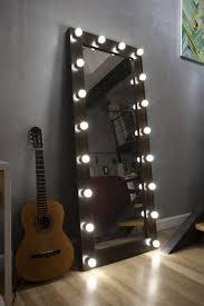 <b>Зеркало напольное</b> гримерное с подсветкой лампочками ...