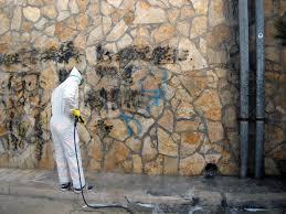 Risultati immagini per graffiti rimozione