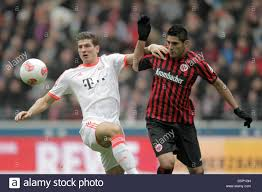 Frankfurt's Carlos Zambrano (R) vies for the ball with Munich's Mario Stock  Photo - Alamy