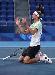 alɛˈksandɐ ˈzaʃa ˈtsfɛʁɛf, born 20 april 1997) is a german professional tennis player. Alexander Zverev Dominic Thiem Co Die Welt Der Jungen Tennisstars Gala De