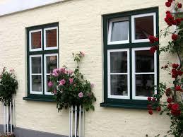 Haus Mit Grünen Fenstern Google Suche Haus Fenster