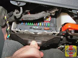 citroen c2 (2003 2010) 1 4 fusebox and diagnostic socket Mazda 626 Fuse Box Diagram illustration of step pull down the panel to access the fusebox below the passenger's side