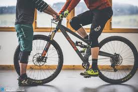 how to set up the seat height and saddle position on your mtb enduro mountainbike magazine