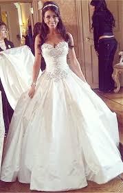 gorgeous sweetheart crystal princess wedding dress wearing white