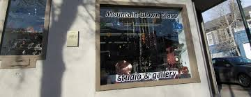 studio and gallery call for hours