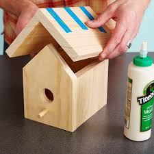 place roof on birdhouse
