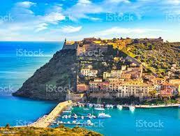 Porto Ercole Dorf Und Hafen In Einer Meeresbucht Luftaufnahme Argentario  Toskana Italien Stockfoto und mehr Bilder von Porto Ercole - iStock