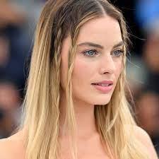Twin Braids von Margot Robbie | Flechtfrisuren: Die schönsten  Flechtfrisuren der Stars
