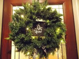 How To Hang Lighted Wreath On Door Amazon Com I Light Up Christmas Wreath Christmas Wreaths