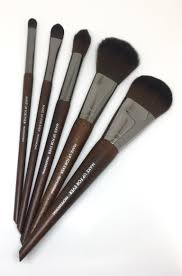 make up for ever artist face colour rous brush set