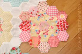 Paper Piecing Flower Mommy By Day Crafter By Night English Paper Piecing A Little Giveaway