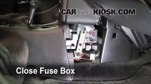 interior fuse box location saturn sl saturn sl interior fuse box location 1991 2002 saturn sl 2000 saturn sl 1 9l 4 cyl