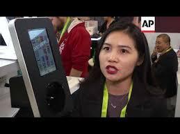 <b>Digital nail printer</b> creates complex designs in seconds - YouTube