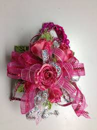 hot pink mini spray rose wrist corsage for prom