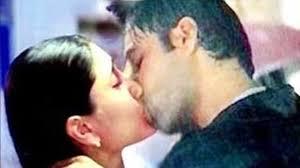 Kareena Kapoor s HOT INTIMATE SCENE with Emraan Hashmi Video.