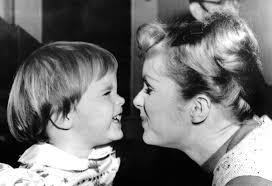 debbie reynolds and carrie fisher. Exellent Reynolds For Debbie Reynolds And Carrie Fisher B