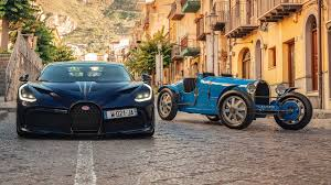 See more of bugatti divo on facebook. Bugatti Divo Meets Way Older Brother The Type 35 In Historic Reunion