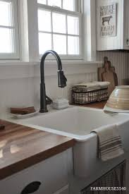 Farmhouse Style Kitchen Sinks 25 Best Ideas About Farmhouse Sink Kitchen On Pinterest Farm