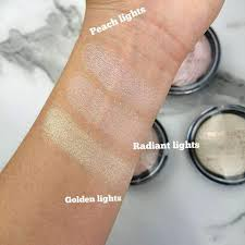 Makeup Revolution Vivid Baked Highlighter In Golden Lights Makeup Revolution Vivid Baked Highlighter Orabel