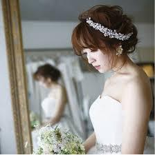 花嫁さん向け結婚式でアナタの魅力を最大限発揮ミディアム髪型 花嫁