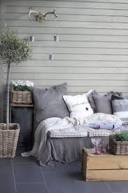 crate outdoor furniture. Easy DIY Patio Furniture Projects You Should Already Start Planning : Turn  Milk Crate Into A Crate Outdoor Furniture