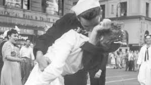 Sailor in iconic World War <b>II</b> kissing photo in Times <b>Square dies</b> at 95