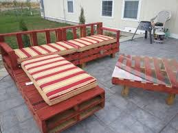 pallet patio furniture build pallet furniture