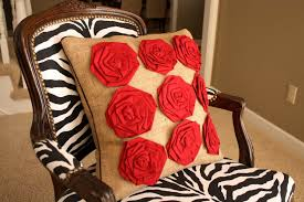 25 easy decorative pillow tutorials rosettes pillow tutorials