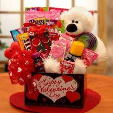Shop our favorite presents for fiancés and. Valentine S Day Gift Basket Valentines Gift Box Valentine Gift Baskets Valentines Day Baskets