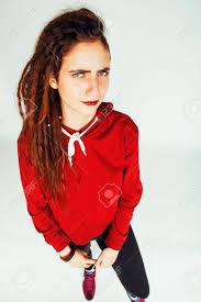 白い背景のドレッドヘアの髪型面白い陽気な顔で本当白人女性 の写真素材