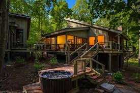 luxurious tree house. Lansing House Rental - A View From The Back Of Tree House. Luxurious L