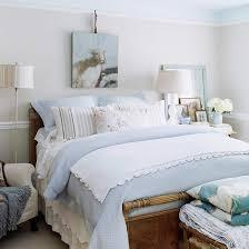 Bedroom Decorating: Cottage Style Bedroom Decor