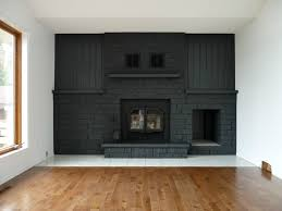 painted dark gray fireplace dans le lakehouse on remodelaholic