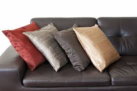how to choose throw pillows for your