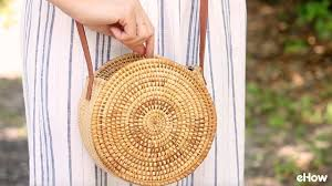DIY Round Straw Basket Bag - YouTube