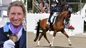 Patrik Kittel söker hästskötare