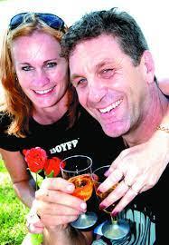 Sweethearts share their joy | Port Macquarie News | Port Macquarie, NSW