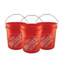 plastic paint buckets and lids