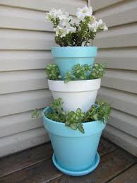 stacked flower pots. I wish I could make this