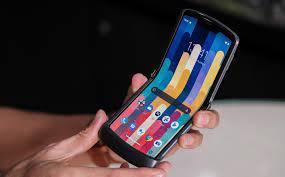 Motorola cũng có sạc không dây hoàn toàn