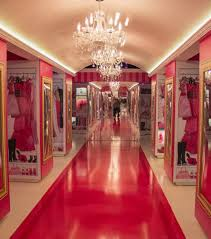 Huge Closets barbies huge closet looks just like her closet in the real 3550 by xevi.us