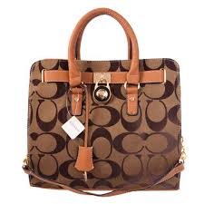 Coach Lock Medium Camel Totes AON