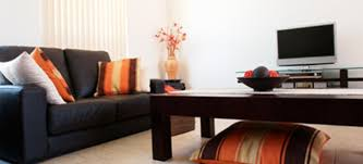 real estate experts tell you how to decorate your home to sell